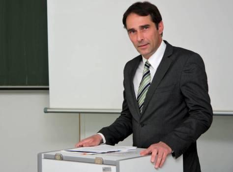 Rechtsanwalt Prof. Roland Kesselring